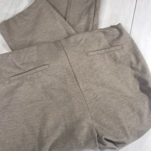 Chico's taupe knit pants size 3.5 short